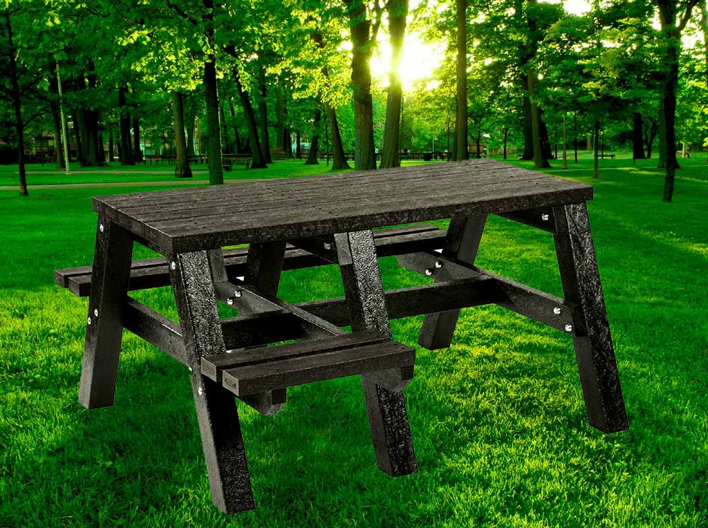 RCF wheelchair access picnic table